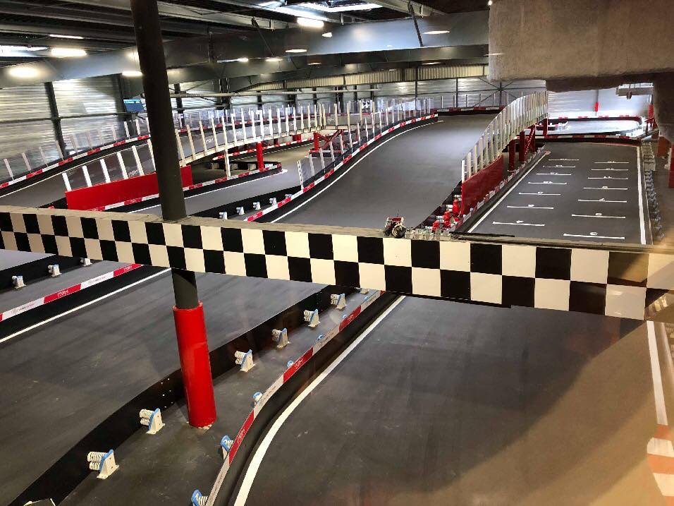 Circuit de karting indoor Games Factory Dijon France