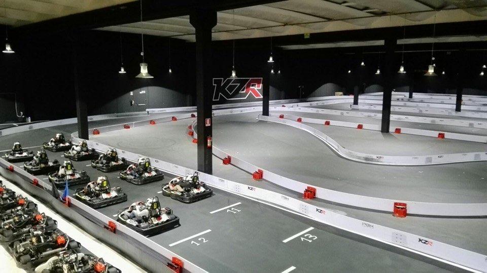 Pista go kart indoor KZR Kart Indoor Martinsicuro Teramo Italia