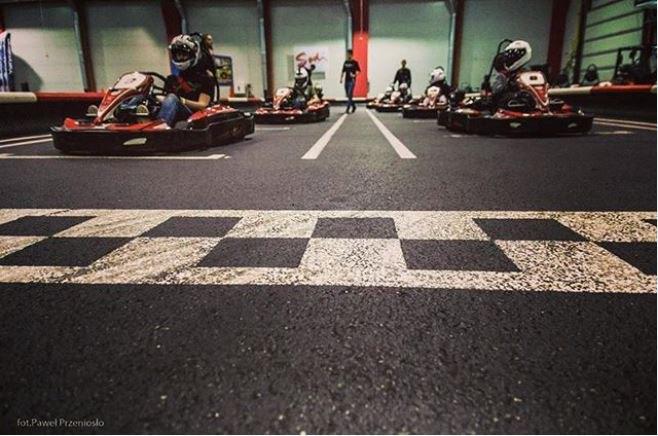 circuit de karting indoor Kart Center Gokarty Gdańsk Pologne
